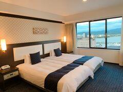 普段の旅行ではチョイスしないような素敵なホテルのお部屋でぐっすり休んで、朝はすっきり起きました。