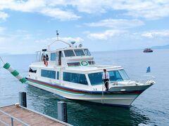 ちなみにこちらは、彦根⇔竹生島を結ぶ、オーミマリン。  長浜港から出てる竹生島クルーズよりもだいぶこじんまりとした船でした。