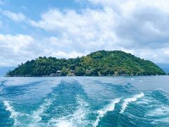 滞在時間は85分だけでしたが、十分楽しめました!  お天気の良い日に竹生島を訪れることが出来て良かったです!