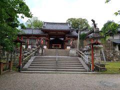東大寺のお隣にある氷室神社です。 こじんまりとはしていますが、なかなか立派です。 名の通り氷を奉り、奈良町の氷屋さんと深い関わりがあるそうです。