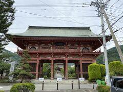 駅から15分ほどで善光寺に到着。