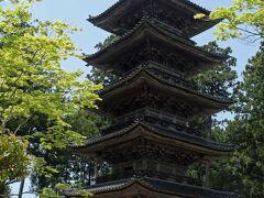 新潟県で唯一の五重塔。