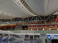 第3ターミナル。 時間が遅いのもあるけど全然人がいません。