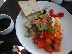 12月3日 宿の朝食を食べる。