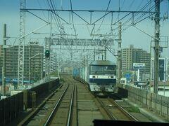 貨物列車ともよくすれ違う京葉線。