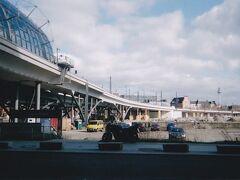ベルリン中央駅から東側に伸びる高架橋。