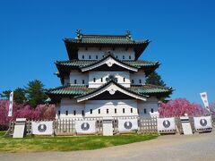 まぁ、快晴の空にお城と枝垂れ桜も綺麗で良かったけどね