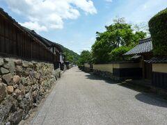 前回の続き。 出雲大社でお参りをした後は、社家通りへ。 京都のような古い町並みが、すごく良くて歩きやすい。