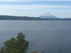洞爺湖到着ー!! 羊蹄山が目の前に見えて、贅沢~。