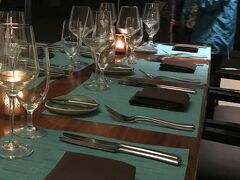 19:30 Bali Steak & Seafood 金曜日の夜ということで有名なヒルトンの花火を観るため、夕食はレインボータワー2Fにあるバリ・ステーキ&シーフードへ。 事前に日本で公式サイト(Open Table)から予約済。