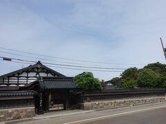 寺町鐘声園の向かいは高岸寺。 大きな建物です。