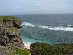 絶景の6畳ビーチ  崖上からが絶景です! 下のビーチへも降りれますが 足場が悪いので今回はパス