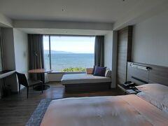 琵琶湖マリオットホテルに到着です。今回は湖側のお部屋。