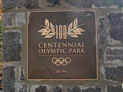 公園にあった石碑に「100周年オリンピック公園(Centennial Olympic Park)」と書かれたプレートがありました。1996年に開催されたオリンピックの関連施設がこの場所に設置され、その跡地が公園として整備されたとのことです。