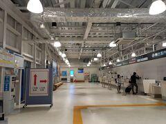 おっと!熊本空港はプレハブかい。
