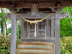 藻岩山ロープウエイ中腹駅近くにある藻岩山神社