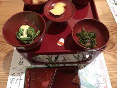 馬刺しが有名な会津なので、初日の夕食は「鶴我」を予約しておきました。 予約のないお客は断っている様子でしたので、予約は必須です。