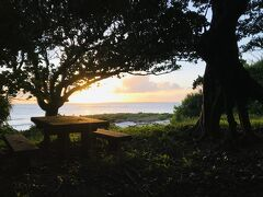 黒島初日のサンセットは、宮里海岸で。 静かで良いです。