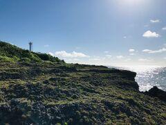 恋が叶うという、黒島灯台。 小さくて白い、可愛い灯台です。