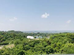 ハイウェイオアシスには、公園を一望できる展望台があります。
