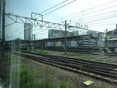 利根川を渡って茨城県。取手駅を通過。