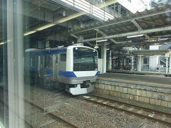水戸駅に到着。 車内の客の3分の1ぐらい降りた。