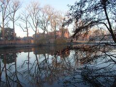 愛の湖公園(Minnewaterpark)から見る湖の眺め