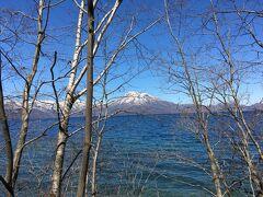 支笏湖を眺めながらのドライブ