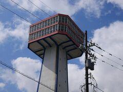 高さ約50メートルの東尋坊タワー。 大した高さじゃないなーと思うけど、この高さから東尋坊を見ると結構迫力あるんだろうなー♪