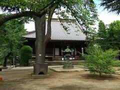 寛永寺 徳川家菩提のお寺にしては小振りな本堂です。これは川越から移築されたお堂です。