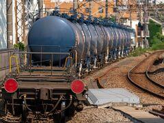 八丁畷駅で列車を降りると、既に多くの方々が撮影中。 間に入れていただき、EF66牽引の8764レを撮影。