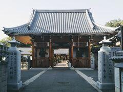 明星(みょうじょう)院(写真は仁王門)。毛利輝元の生母・明寿院の菩提寺であったが、毛利家の長州への移封後、福島正則が明星院と改めた。