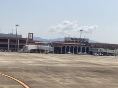 長崎空港に到着しました。 福江行きの飛行機に乗り換えです。
