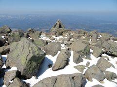 8合目から1時間ちょっとで岩木山の山頂に到着。