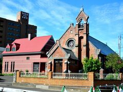日本聖公会 弘前昇天教会  明治29年に建てられた教会。 空襲も逃れ、現代に残る洋館群は弘前のアイコンのひとつ。
