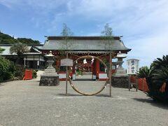 南下を続けて日南市 鵜戸神宮へ参拝します。夏越の茅の輪をくぐります。