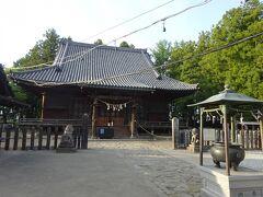 この建物が薬師堂。 1612年に建てられた国の重要文化財。