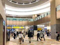 6/9 水曜 13時前に千葉駅到着。  一応ワタシは千葉県民だけど、 なかなか千葉市に行く機会がない。  今回の訪問は7年前に パスポート取りに行った以来。  千葉駅、綺麗な駅だなぁー リニューアルした?