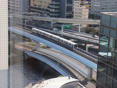 ゆりかもめと浜崎橋JCT。