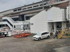 金曜~月曜で、岡山⇒出雲・松江⇒津山と回ります。  岡山空港は初めてかもしれない。 だいたい新幹線か、四国を混ぜて四国から出入りしてました。  今回は、コロナ対策で東京の電車に乗るのは考えられなかったので、 羽田までマイカー、そこから飛行機です。