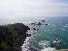 襟裳岬ってこんなに岩だらけなんですねえ。