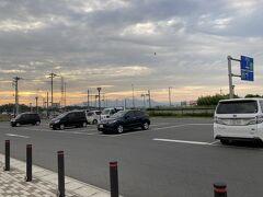 帰途に寄ったのはやはり「道の駅玉村宿」。  遠くに八ヶ岳がきれいです。