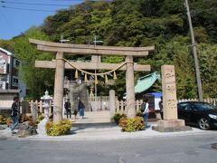 東浦賀で一番の観光スポット、東叶神社にやってきました。前編でも記載した通り江戸時代に浦賀村が東西に分かれたので東側にも建立された神社です。1692年建立で現在の拝殿は1929年に建築されたものです。 「願いが叶う」ということで多くの人が参拝していました。