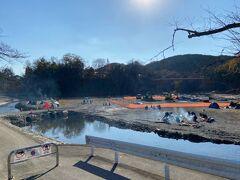 飯能河原へ。 キャンプしている人がいました。