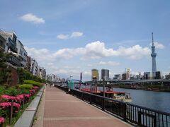 ★11:30 旅の出発は浅草駅から。すっかり定番になりつつある、大江戸線蔵前→隅田川ルートで浅草入り。