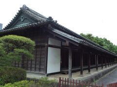 百人番所。 長さ50mを超えるは、数少ない江戸時代から残る江戸城の遺構です