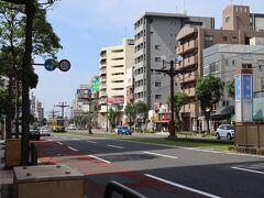 最寄りの騎射場電停に到着。 ここは鹿児島大学もあり、学生エリアのようです。