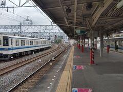 館林に戻ってきました。 この駅は伊勢崎線、小泉線、佐野線のターミナル駅で佐野線と小泉線ホームは行き止まり式のホームになっているのが特徴です。