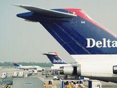 デルタ航空のハブ空港、アトランタに到着。当時はまだボーイング727が活躍していました。