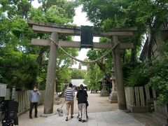 そのすぐ近くに神社があったのでお参り。 原田神社という神社でさっきの小石塚古墳、大石塚古墳は昔はこの神社の境内だというからかなり大きな神社だったと思われる。